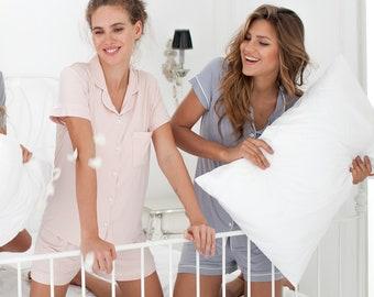 Bridesmaid Pajamas set monogrammed, bridesmaid pajamas set of 7, bridesmaid pajamas set of 8, bridesmaid pajamas set of 10, set of 9