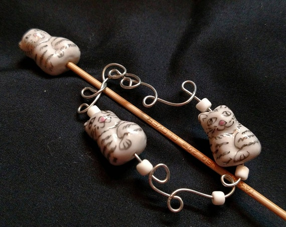 Shawl Pin - Three Tiger Cats