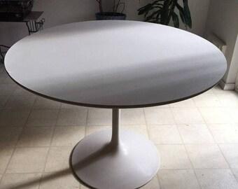 Vintage Mid Century Modern White Steel Saarinen Style Tulip Dining Table  Base With White Laminate Top