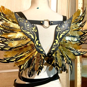 Shoulder harness with wings Bra harness BDSM lingery BDSM accessory Underbust harness Chest harness wings Leather wings Shoulder pads