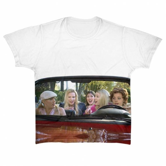 White Chicks KiSS Large Print T-Shirt - A Thousand Miles - Movie Inspired - Busy Phillips Wayans - Gift Idea - Funny