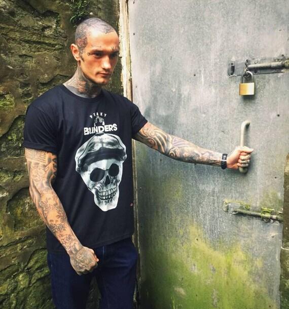 Peaky Blinders Inspired Skull KiSS T-Shirt -Tommy Shelby - Skull - Unique Art Cillian Murphy, UK TV Show Stocking Filler - Present/Gift Idea