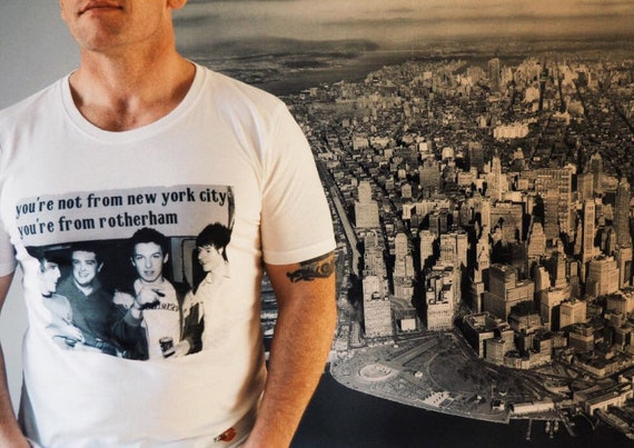 Fake Tales KiSS T-Shirt - San Francisco - Arctic Monkeys Rotherham - Indie Band - Music Fan