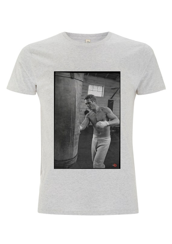 Steve McQueen Boxing KiSS T-Shirt - Actor Boxer - Retro Hollywood Image - Great Escape