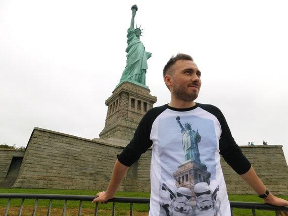 Stormtrooper Selfie KiSS Baseball T-Shirt - Statue of Liberty - Star Wars inspired - New York - Cool Gift Idea