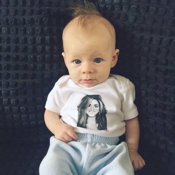 Jennifer Aniston KiSS Kids T-Shirt - Toddler Children - Cute Top - Friends Rachel Green