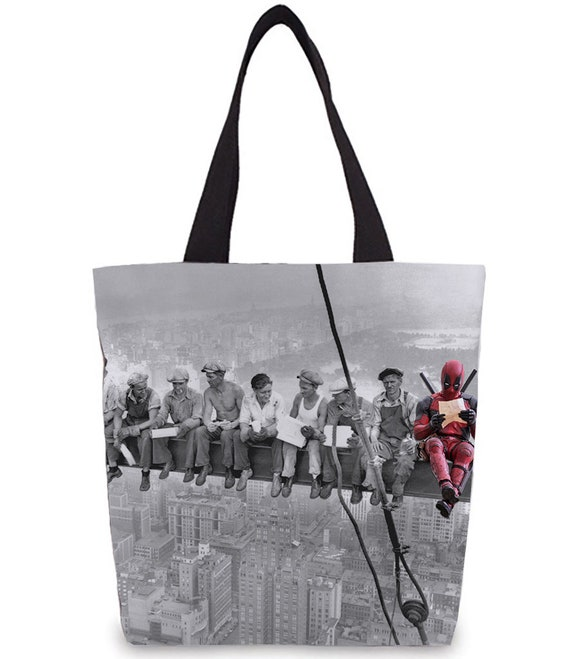 Deadpool KiSS Tote Bag - Ryan Reynolds Wade Wilson - American superhero - New York Skyscraper Lunch - Wall Art - Shopper