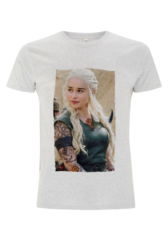 Tattooed Khaleesi KiSS T-Shirt - Tattooing - Game of thrones inspired - Daenerys Targaryen - Emilia Clarke - Gift for him and her, unique