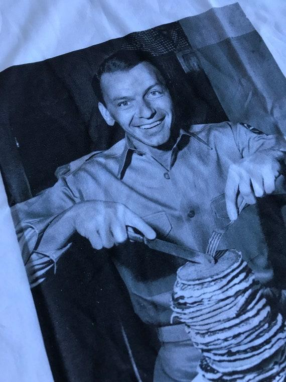 Frank Pancakes KiSS T-Shirt - Sinatra fifties - Pancake Day - Christmas Present - Music fans - Rat Pack