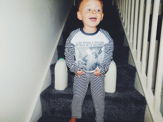 Joey Friends Gallon Of Milk KiSS Kids Pyjama Set - Tribbiani - Baby Toddler - Stocking Filler - Christmas or Birthday Present