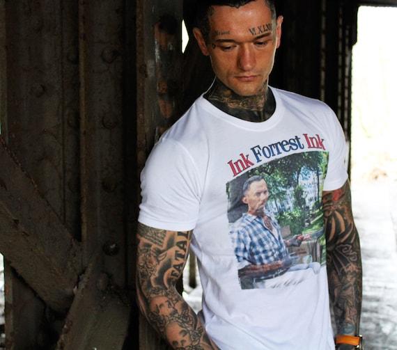 Forrest Gump Tattooed KiSS T-Shirt - Tom Hanks, Bubba Gump - Run Forrest Run - Box of Chocolates - 90s - Movie - Christmas Birthday Present