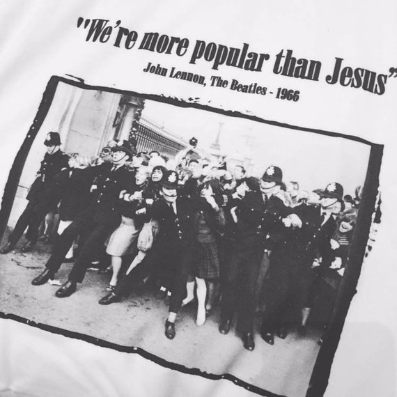 Beatle Crowd KiSS T-Shirt - The Beatles - 60s British Britpop Rock Pop Music - Police - Gift idea - John Lennon quote
