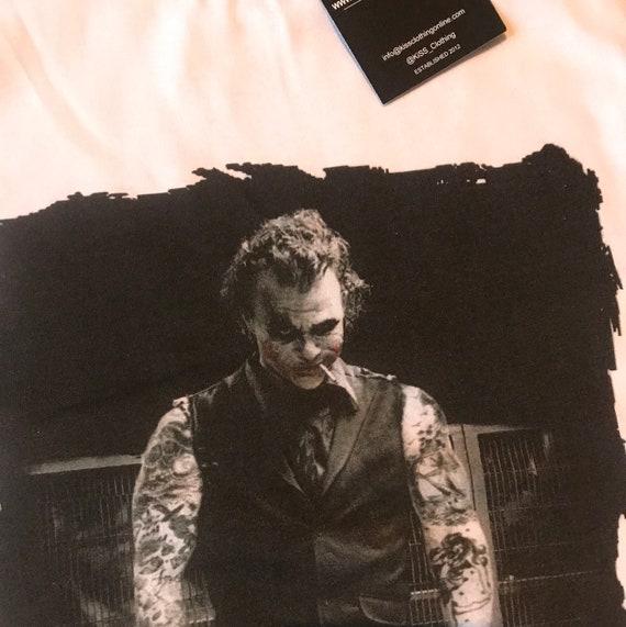 The Joker Tattooed KiSS T-Shirt - Heath Ledger - Inked Tattooist Tattoo Edit - Dark Knight Why so Serious? - Christmas Present - Movie Buff