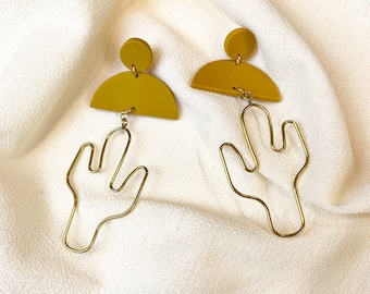 SQUAT // Short Cactus Wire Polymer Clay Earrings