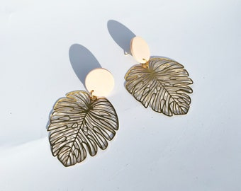 LACE MONSTERA // Tropical Leaf Polymer Clay Earrings. Gifts for Her. Multiple Colors.