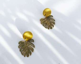 BB MONSTERA // Tropical Leaf Post Earrings. Minimalist Earrings. Gifts for Her. Multiple Colors.