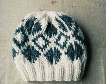 Handknitted hat. 100 % wool