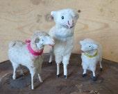 Set of 3 - Antique german putz - Simple german sheeps - Antique nativity figures - Vintage christmas sheep