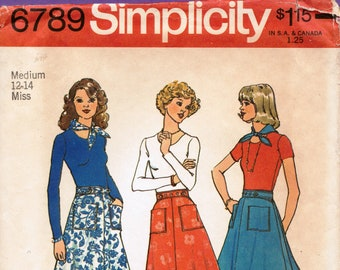 SIMPLICITY 6789 sewing pattern for women.  Wrap skirt pattern with pockets.  Vintage 1970s Simplicity skirt sewing pattern.  Sewing gift.