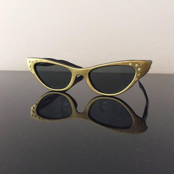 Fab 1950s Cat's Eye Rhinestone Etched Sunglasses,
