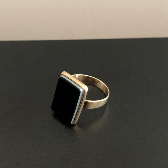 Victorian Rose Gold Banded Agate Ring/Antique Onyx