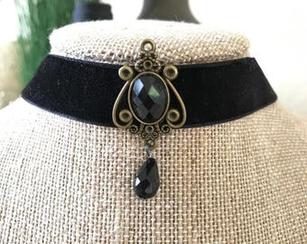 "3/4"" Black velvet choker with Black and antique bronze pendant"