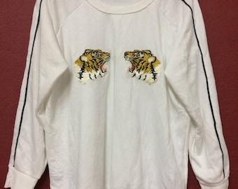 Vintage Souvenir Tiger Embroidered sweatshirts..Sukajan souvenir jacket!! nice condition