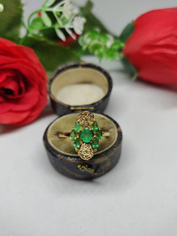 18ct Gold Emerald and Diamond Cluster Ring. Petite