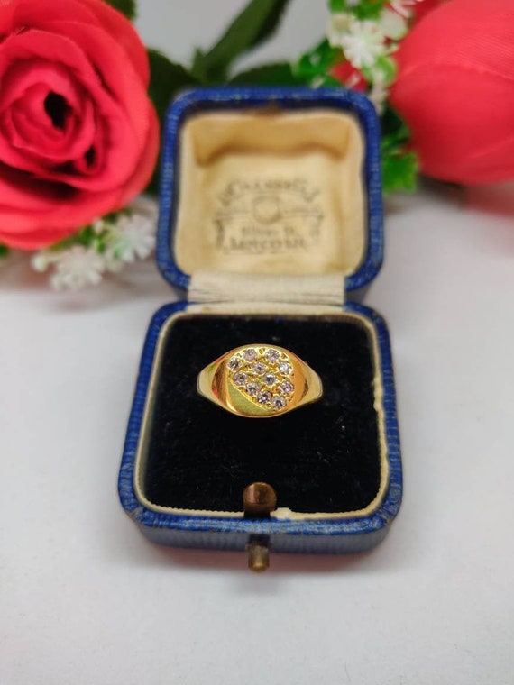 18ct Gold Diamond Signet Ring. Ladies Pinky signet
