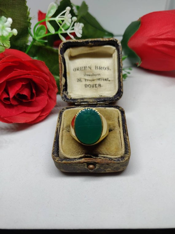 18ct Gold Green Agate Signet Ring. Mens ladies sig