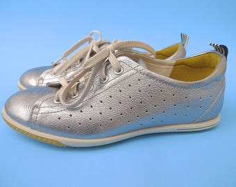 fa7006fdeef6 ECCO Silver Metallic LEATHER SNEAKERs Comfort Tennis Shoes Sz 36 U.S 6