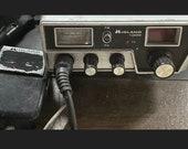 Vintage Midland 100M Handheld 40 Channel CB Radio Transceiver w microphone