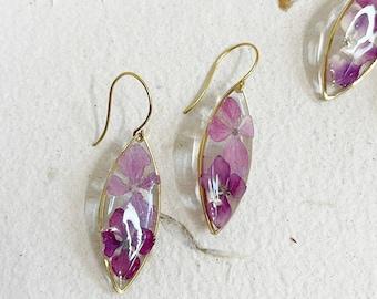 Pressed flower earrings-drop earrings-Botanicals-pink hydrangea flower-gift for her lightweight  earrings - dry flower resin art