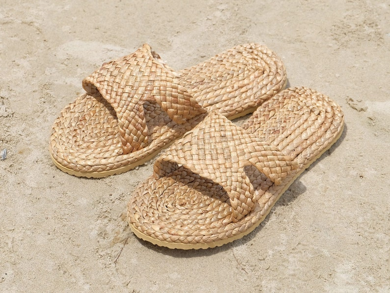 db1273ce0 Straw Shoes Straw Slippers Woven Shoes Thai Slippers Sandals