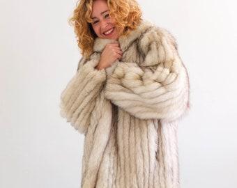 ladies winter L XL Vintage 1950s red floral coat black snowflake pin-up boucle wool white fox fur collar