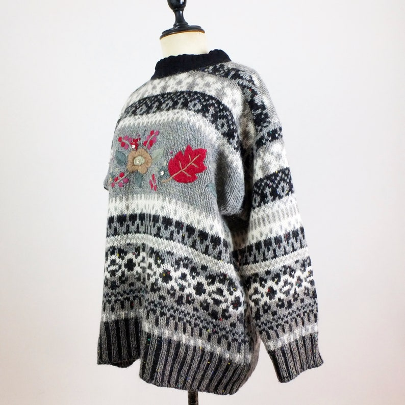 Vintage floral slouchy sweater Vintage 90s floral embroidered wool sweater Vintage chunky knit nordic style sweater fair isle