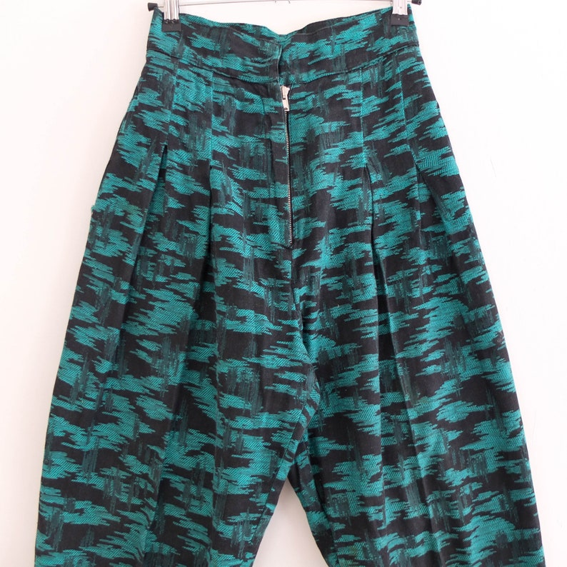 Vintage funky retro pants 80s black green abstract print pants 80s tapered ankle pants size small Vintage 80s high waist baggy pants