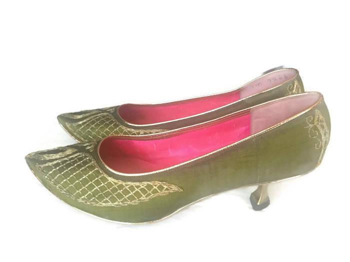 Vintage Taj Silk of India Green Raw Silk Taj Embroidered Heels Shoes 1960s I Dream of Jeannie Size 7M d42047