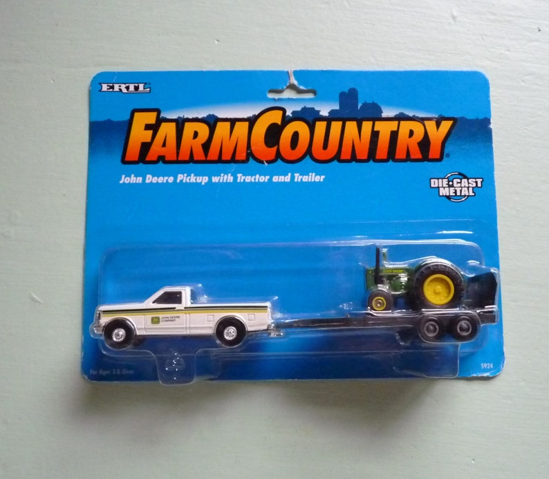 Toy Tractor NOS Vintage Diecast Farm Toy c1996 ERTL Farm Country John Deere 5924 Pickup with TractorTrailer John Deere EXCELLENT
