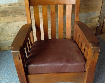 Heavy Mission Style Oak Rocking Chair