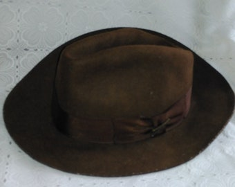 c06e77a072f42 Vintage Indiana Jones Wool Fedora Hat Size M Classic Original Hat with Pin  and Name Printed (os)