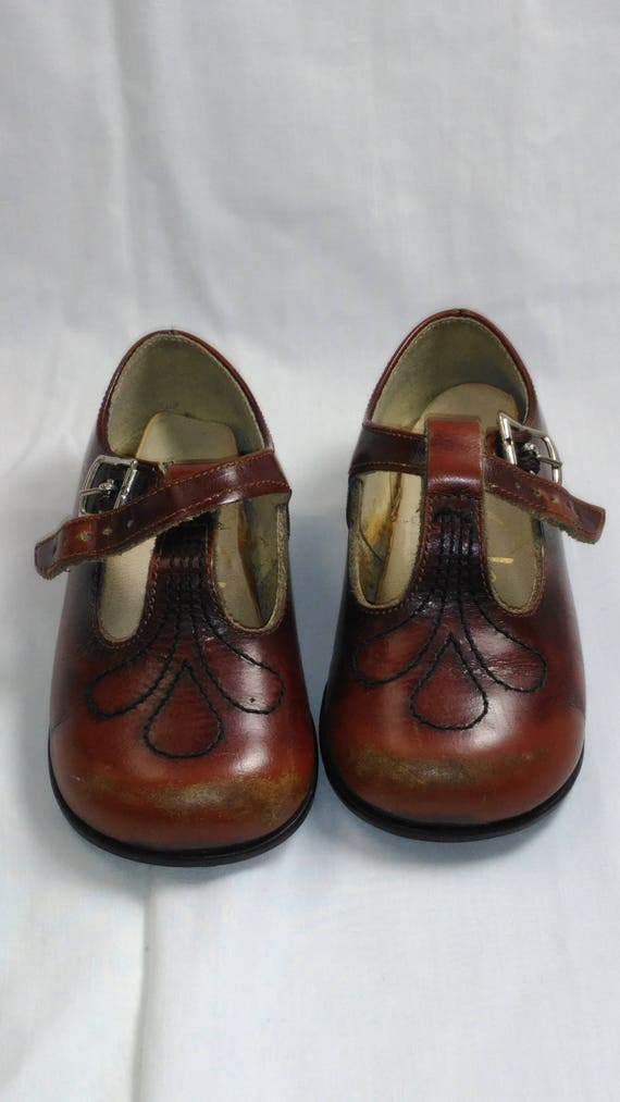 Vintage Clarks Children s Shoes Size 5.5 Mary Jane s