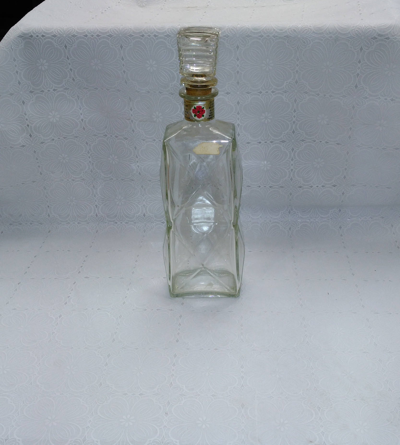 e7fc8a9e62fc Vintage Four Roses Glass Whiskey Decanter Diamond Cut with