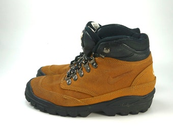 brand new 762b9 7845d Vintage 90 s Nike Air Tumalo II ACG 1995 Women s Boots, Size 7, Leather  Brown and Black