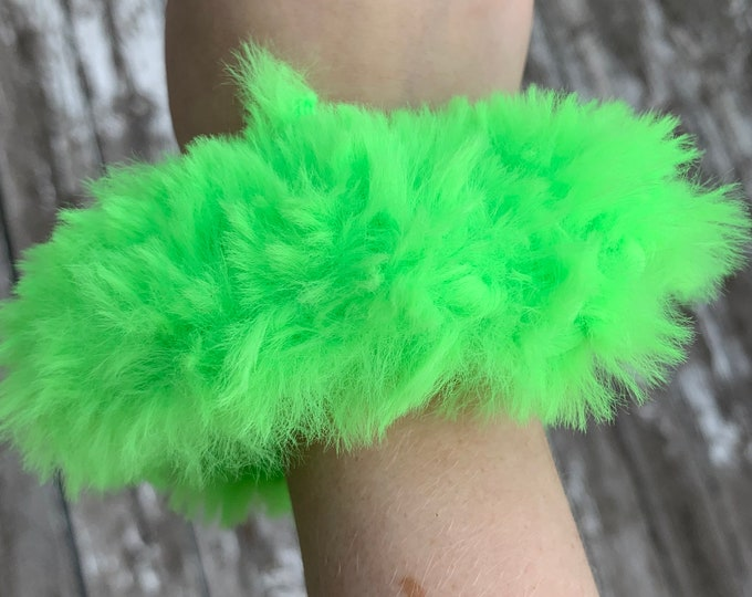 Fun faux fur crochet Scrunchies-neon green-more fluffy
