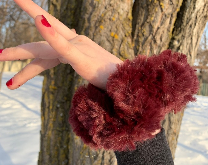 Fun Faux Fur Scrunchies-maroon