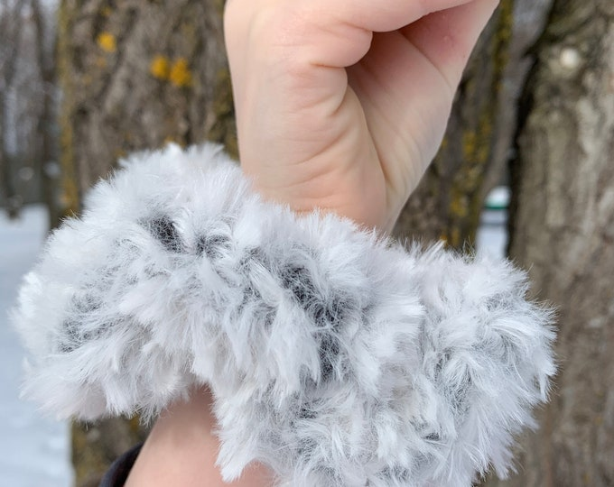 Fun Faux Fur Scrunchies-chinchilla