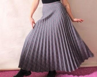 94c4fa13b140ea Wool pleated skirt   Etsy