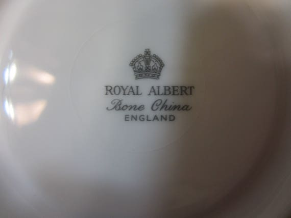 Datant Royal Albert Bone China