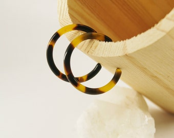 CLASSIC Hoops S Dark tortoise - Cellulose acetate jewelry - Gold plated - Earrings